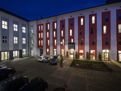EA Business Hotel Jihlava**** - night view